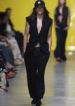 Fause Haten Spring 2004 Ready-to-Wear Collections 0002