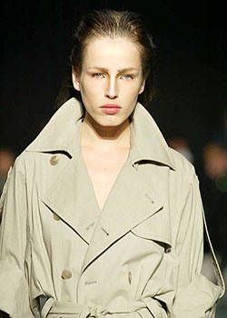 A.F. Vandevorst Spring 2004 Ready-to-Wear Detail 0001