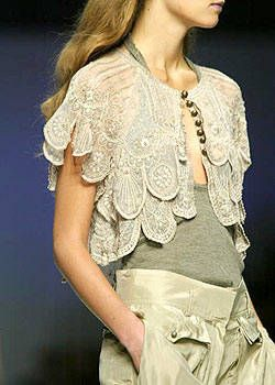 Max Mara Spring 2004 Ready-to-Wear Detail 0003
