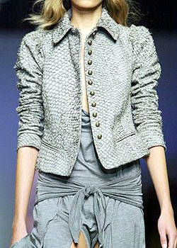 Max Mara Spring 2004 Ready-to-Wear Detail 0001