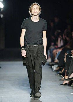 Ann Demeulemeester Spring 2004 Ready-to-Wear Collections 0002