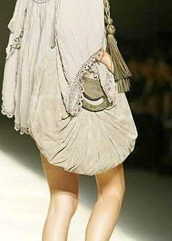 Givenchy Spring 2004 Ready-to-Wear Detail 0003