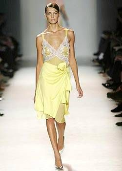 Nina Ricci Spring 2004 Ready-to-Wear Collections 0001