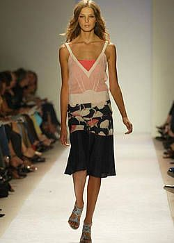 BCBG Spring 2004 Ready-to-Wear Collections 0001