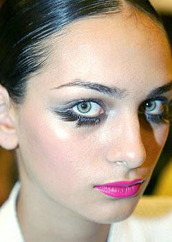 Gianfranco Ferre Spring 2004 Ready-to-Wear Backstage 0002