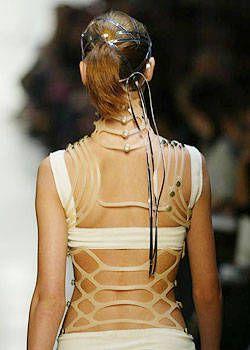 Issey Miyake Spring 2004 Ready-to-Wear Detail 0001