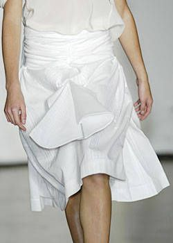 Tim Van Steenbergen Spring 2004 Ready-to-Wear Detail 0001