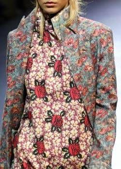 Yohji Yamamoto Fall 2004 Ready-to-Wear Detail 0002
