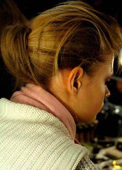 Carolina Herrera Fall 2004 Ready-to-Wear Backstage 0001