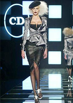 Christian Dior Spring 2004 Ready-to-Wear Collections 0002
