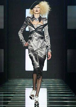 Christian Dior Spring 2004 Ready-to-Wear Collections 0001