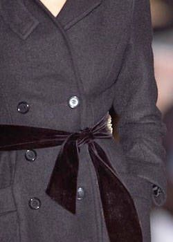 Jill Stuart Fall 2004 Ready-to-Wear Detail 0001