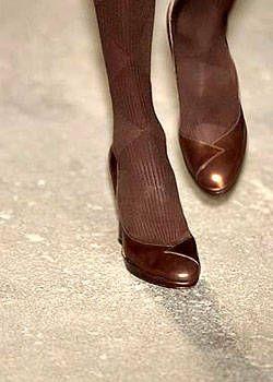 DKNY Fall 2004 Ready-to-Wear Detail 0001