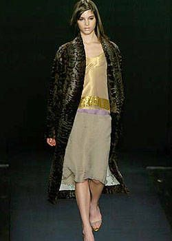 Vera Wang Fall 2004 Ready-to-Wear Collections 0003