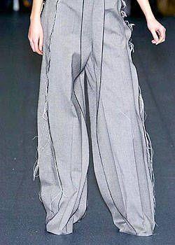 Katarzynza Szczotarska Fall 2004 Ready-to-Wear Detail 0001