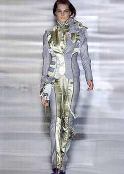 Antonio Berardi Fall 2004 Ready-to-Wear Collections 0001