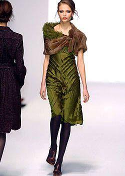 Alberta Ferretti Fall 2004 Ready-to-Wear Collections 0002