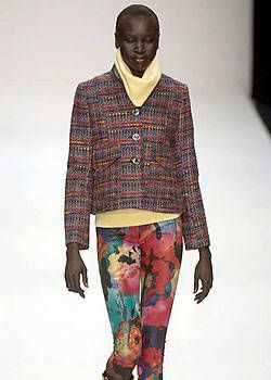 Boyd Fall 2004 Ready&#45&#x3B;to&#45&#x3B;Wear Detail 0001