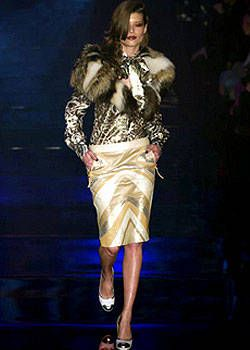 Julien MacDonald Fall 2004 Ready-to-Wear Collections 0001