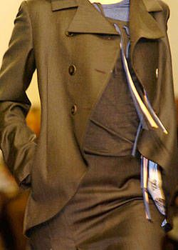 Gibo Fall 2004 Ready&#45&#x3B;to&#45&#x3B;Wear Detail 0001