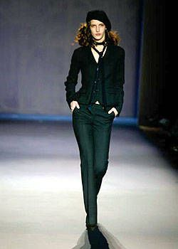 Nicole Farhi Fall 2004 Ready-to-Wear Collections 0001