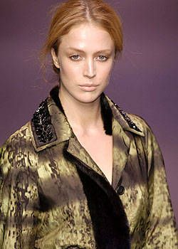 Prada Fall 2004 Ready-to-Wear Detail 0001