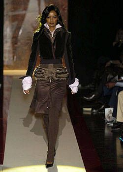 Gianfranco Ferre Fall 2004 Ready-to-Wear Collections 0002