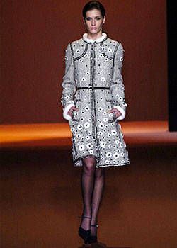 Andrew Gn Fall 2004 Ready-to-Wear Collections 0001