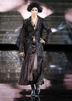 Giorgio Armani Fall 2004 Ready-to-Wear Collections 0001