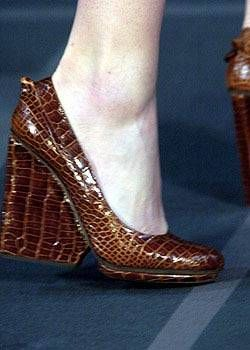 Fendi Fall 2004 Ready-to-Wear Detail 0001