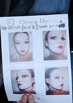 Christian Dior Fall 2004 Ready&#45&#x3B;to&#45&#x3B;Wear Backstage 0002