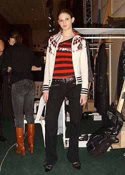 Andrew Gn Fall 2004 Ready-to-Wear Backstage 0001