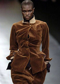Vivienne Westwood Fall 2004 Ready-to-Wear Collections 0001