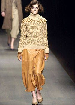 Dries Van Noten Fall 2004 Ready-to-Wear Collections 0001