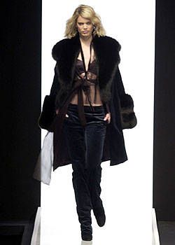La Perla Fall 2004 Ready-to-Wear Collections 0001