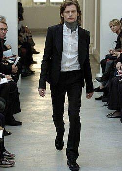 Balenciaga Fall 2004 Ready-to-Wear Collections 0002