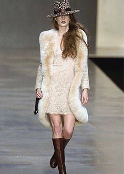 Blumarine Fall 2004 Ready-to-Wear Collections 0001