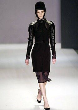Givenchy Fall 2004 Ready-to-Wear Collections 0003