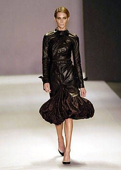 Givenchy Fall 2004 Ready-to-Wear Collections 0001