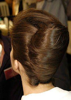 Valentino Fall 2004 Haute Couture Backstage 0001