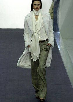 Salvatore Ferragamo Fall 2004 Ready-to-Wear Collections 0001