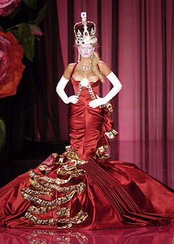 Christian Dior Fall 2004 Haute Couture Collections 0001