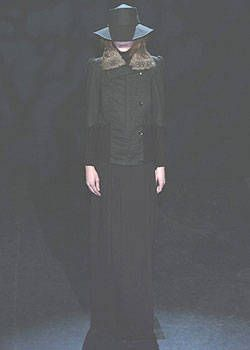 Veronique Branquinho Fall 2004 Ready-to-Wear Collections 0001
