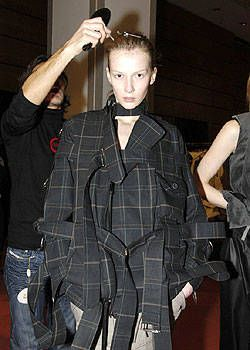 Vivienne Westwood Fall 2004 Ready-to-Wear Backstage 0003