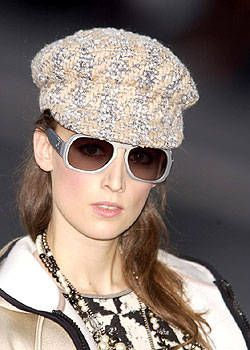 Chanel Fall 2004 Ready-to-Wear Detail 0001