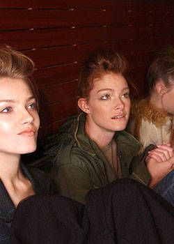 Emanuel Ungaro Fall 2004 Ready-to-Wear Backstage 0002