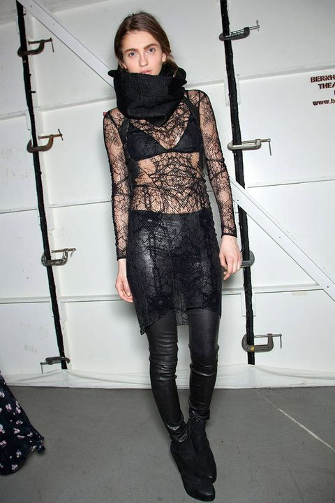 HELMUT LANG FALL 2012 RTW BACKSTAGE 003