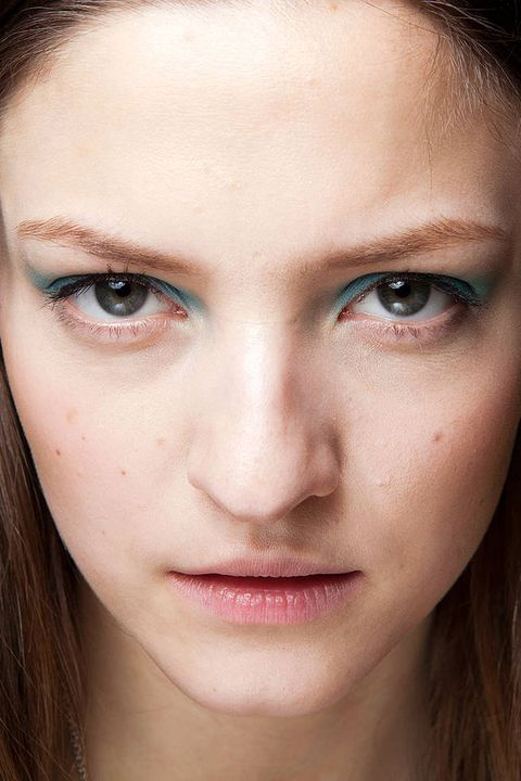 AKRIS FALL 2012 RTW BEAUTY 001