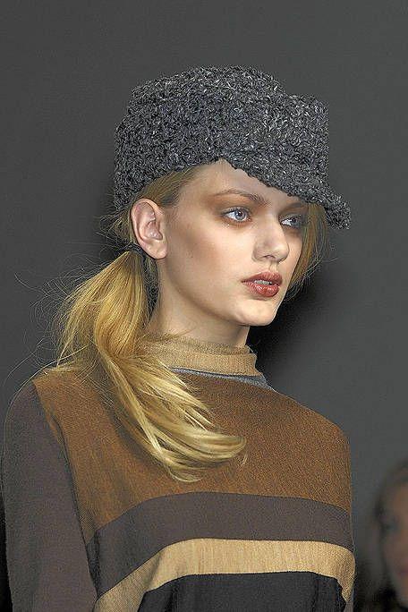 Hairstyle, Eyebrow, Style, Headgear, Costume accessory, Fashion, Black hair, Street fashion, Fashion model, Hair accessory,