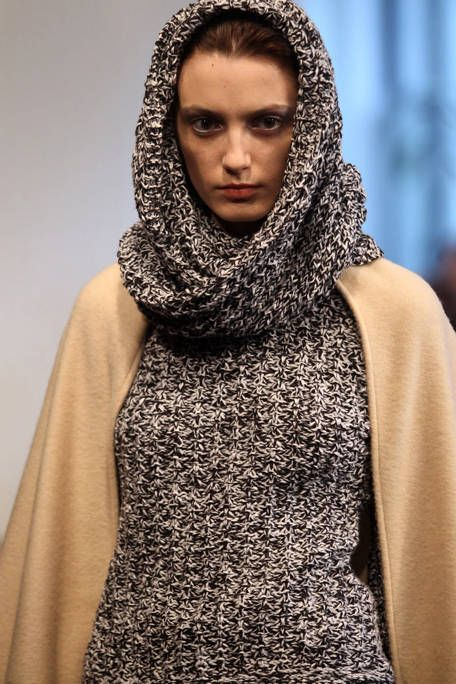 Clothing, Brown, Textile, Wrap, Style, Fashion, Street fashion, Neck, Eyelash, Stole,